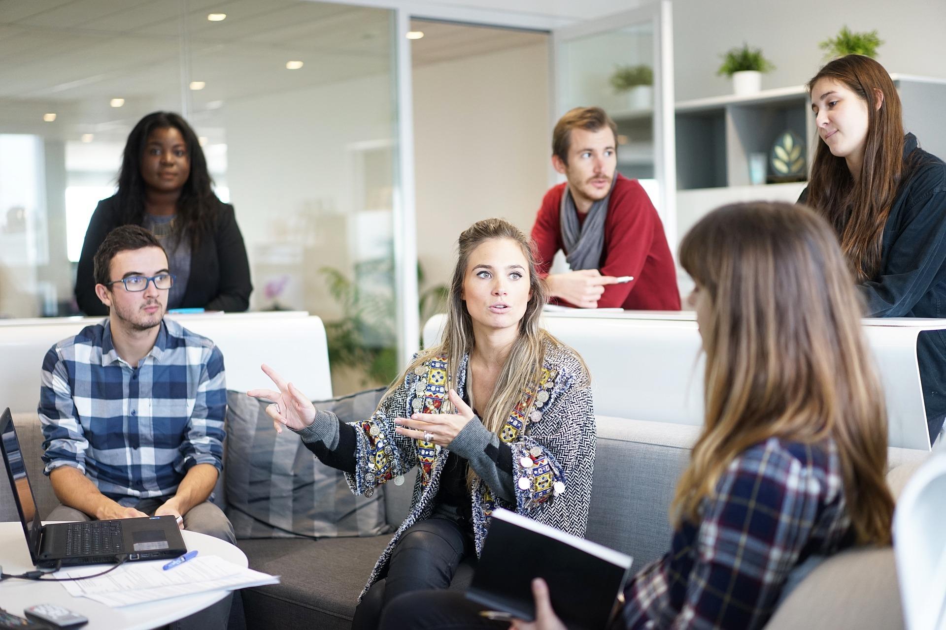 Abwechslung im Büro – so heben Sie die Stimmung auf ratgeber-blogger.de